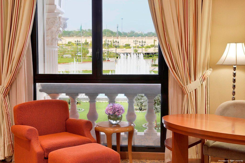 فندق ريتز كارلتون ، الرياض